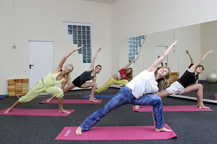 Помогает ли йога похудеть